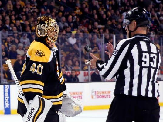 USP NHL: BUFFALO SABRES AT BOSTON BRUINS S HKN USA MA