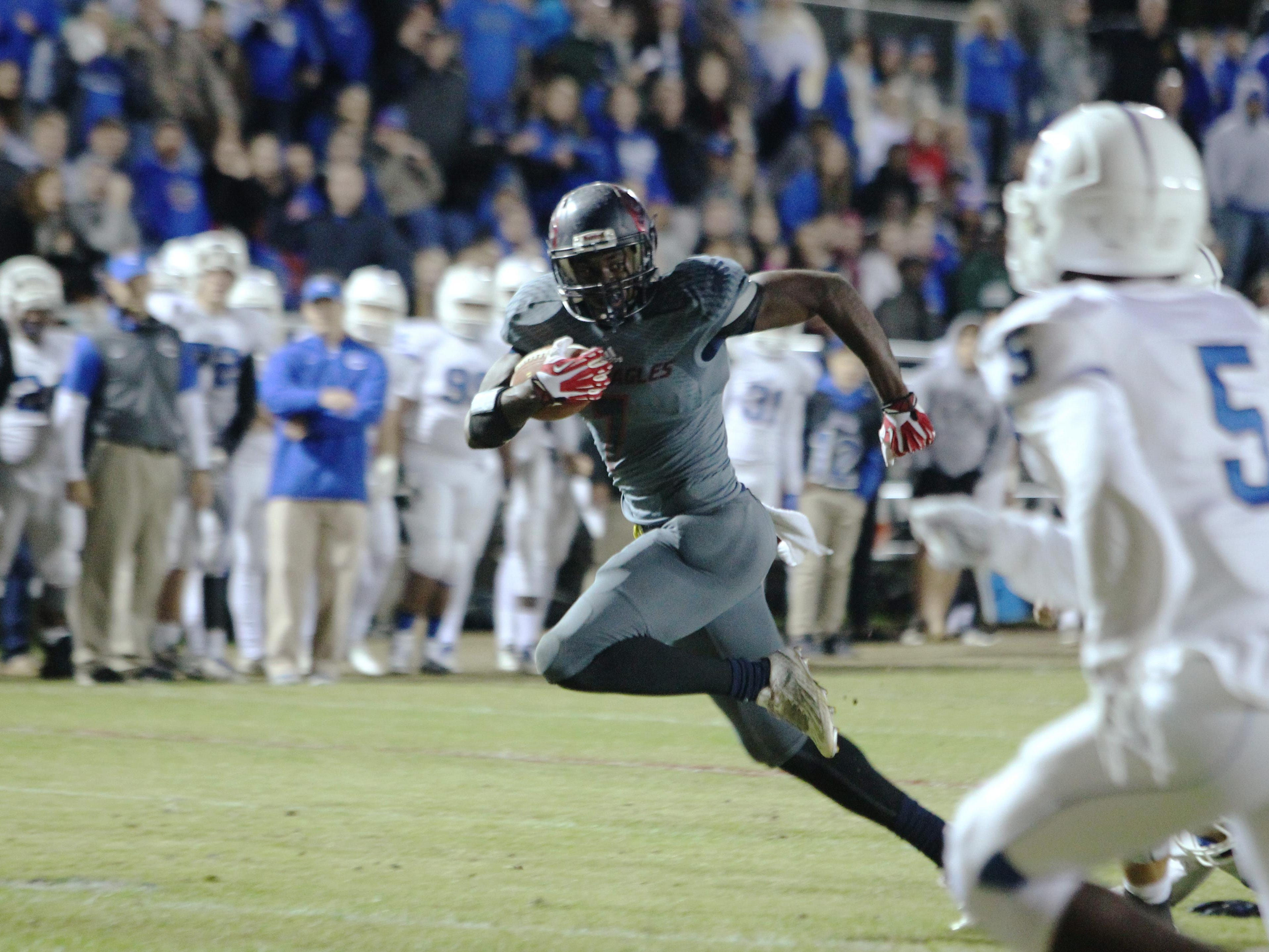 Wakulla senior Keith Gavin scored on a 15-yard touchdown in the second quarter, then hauled in a 46-yard touchdown in the third quarter of a Class 5A state semifinal win over Clay.