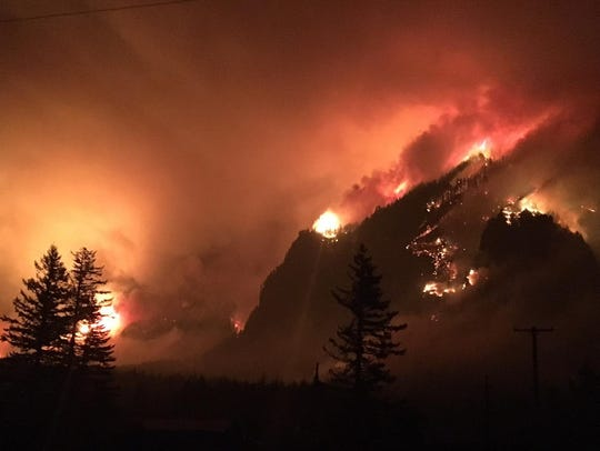 The Eagle Creek Fire burns overnight Monday into Tuesday
