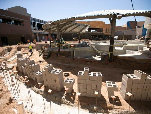 Construction of the Dolphinaris Arizona facility on