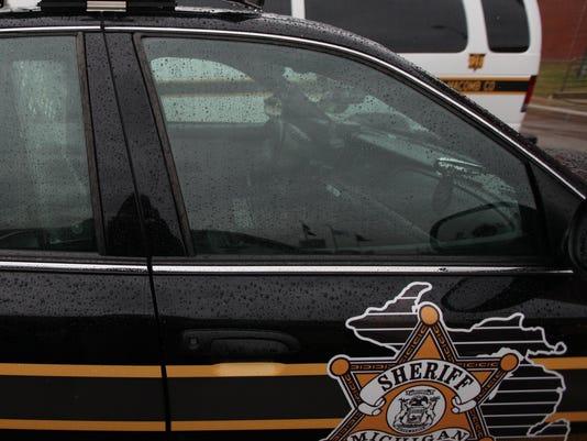 635518351893294175-macomb-county-sheriff-car2