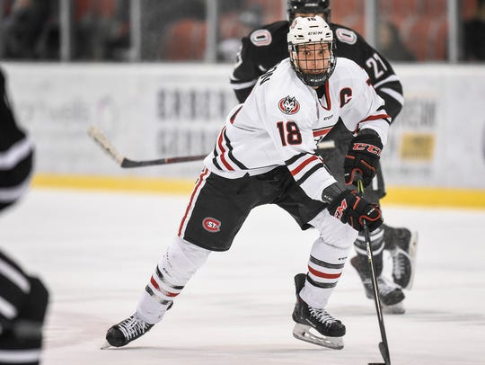 St. Cloud State's Judd Peterson makes a run at the