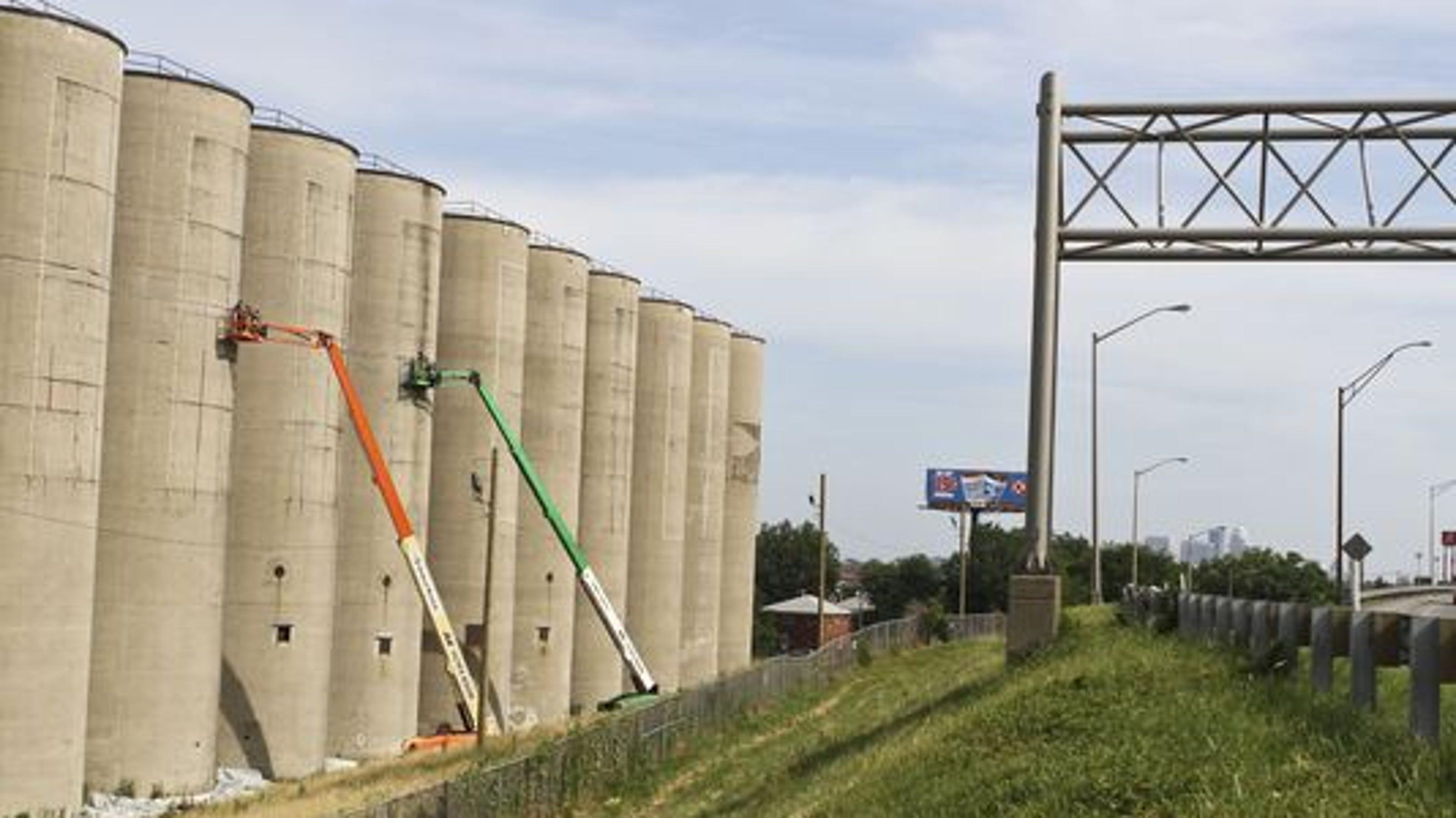 3 Silo Demolition : Uofl silo demolition later in the week