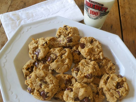 Peanut Butter Chocolate Chip Oat Cookies have regular