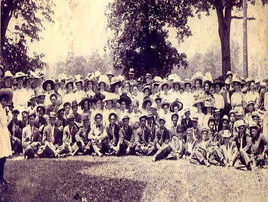 Members of the Shenandoah Sunday school, circa 1900,
