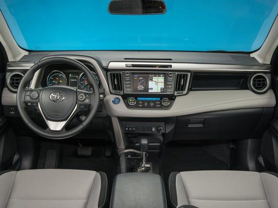 2016_Toyota_RAV4_Hybrid_XLE_16_76C99F90DB3FC751384BAD5CF4F84E19069498B4