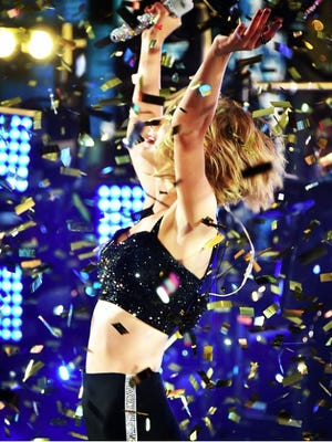 Taylor Swift sings in the new year.