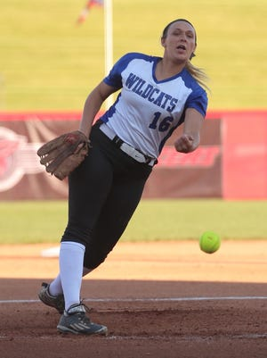 Williamsburg's Carly Wagers delivers the pitch.