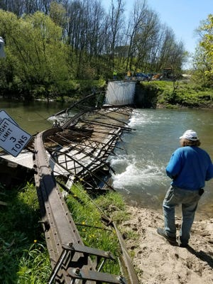 A truck trying to cross a rural bridge in Winneshiek County causes it to collapse under its weight, according to the sheiff's office.