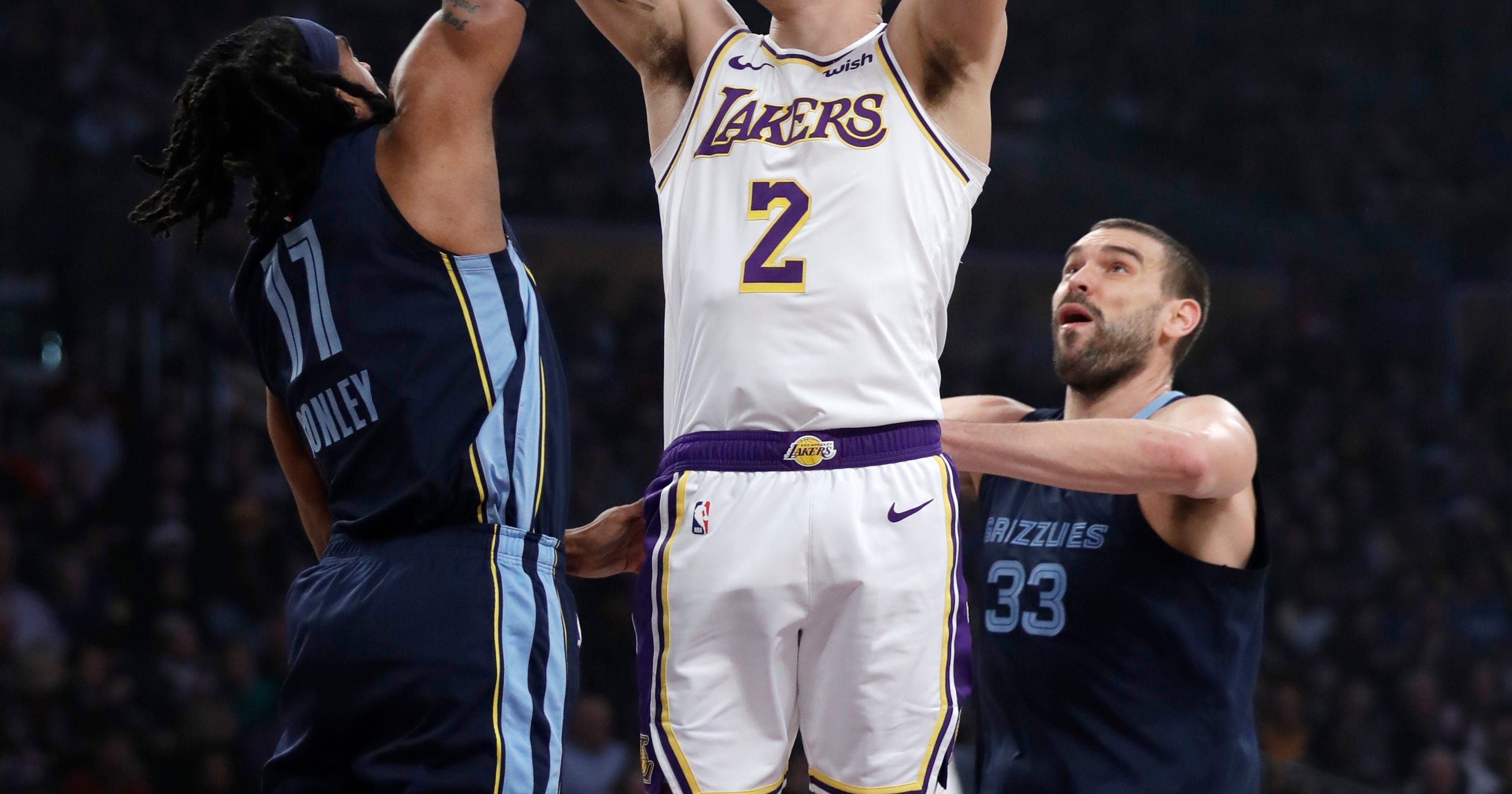 ab7bed512 Grizzlies end 5-game skid by beating Lakers 107-99