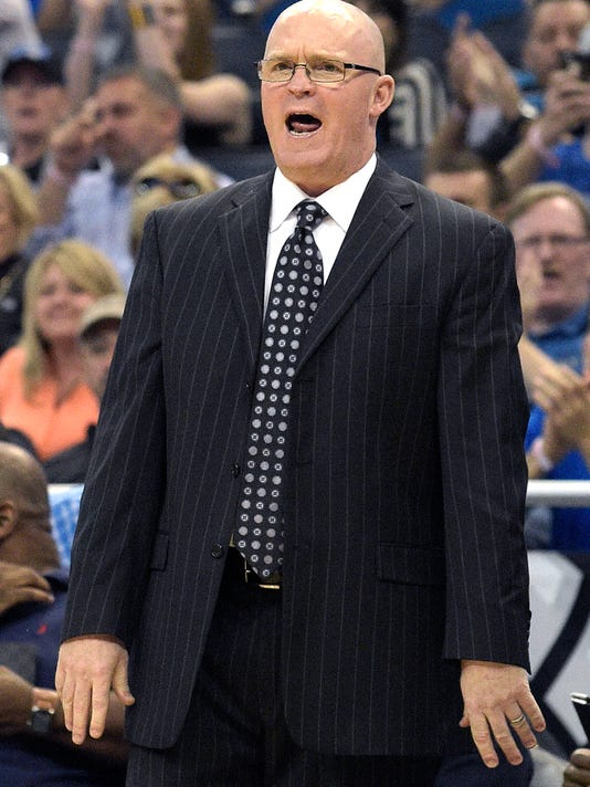 Orlando Magic head coach Scott Skiles calls out instructions from the sideline during the first half of an NBA basketball game against the Chicago Bulls in Orlando, Fla., Saturday, March 26, 2016. (AP Photo/Phelan M. Ebenhack)