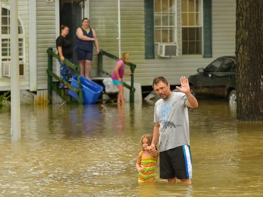 636068040099455244-tda.flooding.youngsville.la.08.14-1041.jpg