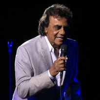Johnny Mathis performs at the Celebrity Theatre, Sunday, Aug. 2, 2015, in Phoenix.