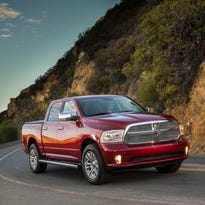Fiat Chrysler warns 5.3M owners: Don't use the cruise