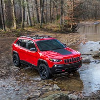 Cherokee Trailhawk Elite excels on and off road