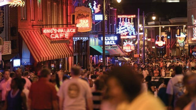 Lined with bars, clubs and restaurants featuring live music, the Beale Street Entertainment District is the most visited tourist attraction in Memphis. At night the street is closed to traffic.