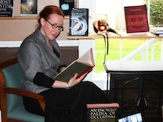 blog.Owner Danya Simkus Reading
