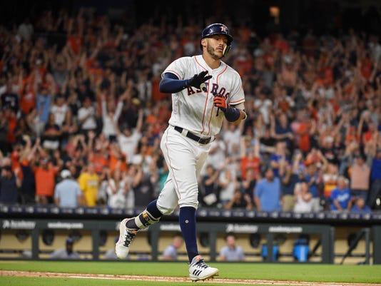 APTOPIX_Royals_Astros_Baseball_52982.jpg