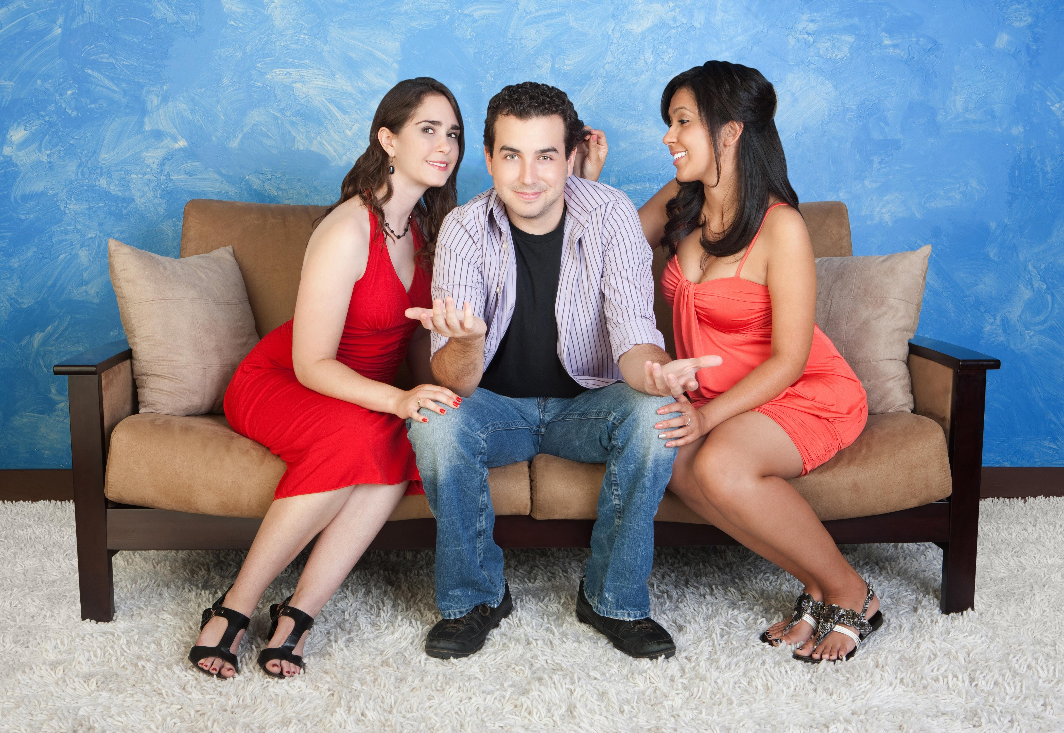 Online dating for polyamory