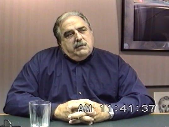 Larry Kusche - Wikipedia