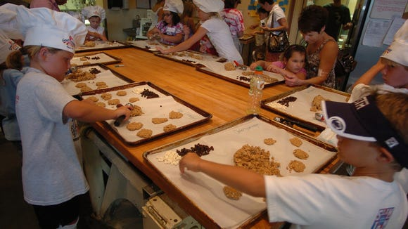 Children can bake cookies for their fathers at Great