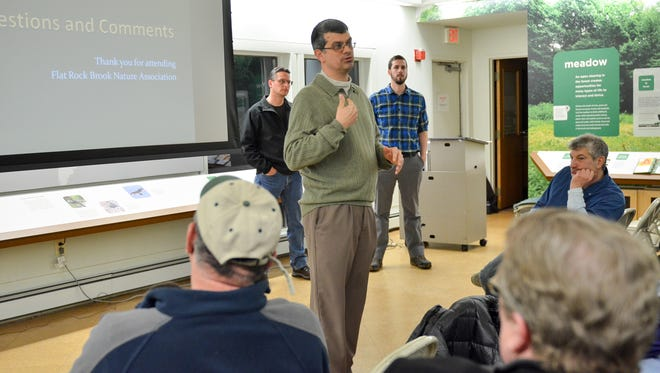 Executive Director of Flat Rock Brook Nature Center Stephen Wiessner answers questions from the public about deer management in January 2016. According to Wiessner and other officials at the center, the deer population has multiplied to a degree that is no longer healthy to the environment of the center.