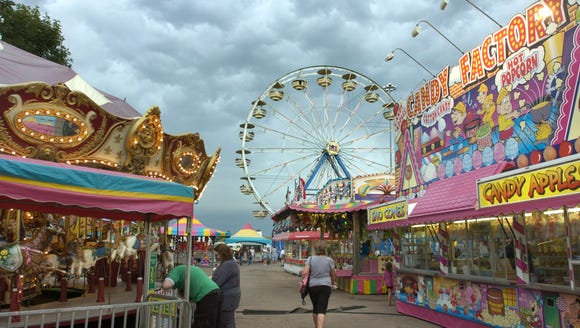 25. Ride the Ferris Wheel at the Sioux Empire Fair.