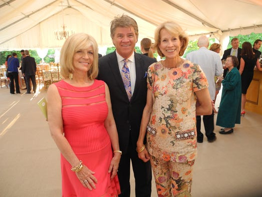 Cheekwood Honors Top Donors During Reception On The Swan Lawn