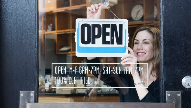 Whether you want to be in retail, restaurants, technology or another part of the service sector, you can take your business from dream to reality in 6 weeks.