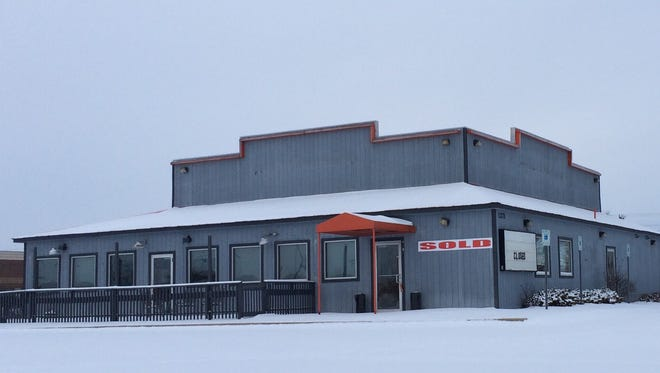 The former Hooters building in Grand Chute has been sold.