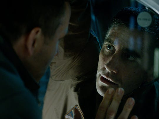 Rory Adams (Ryan Reynolds, left) and David Jordan (Jake