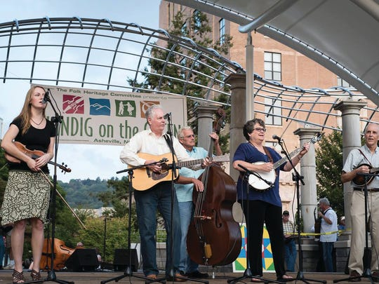 Laura Boosinger and the Midnight Plowboys will play