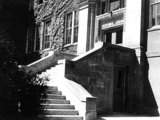 Lansing Central High School steps before remodeling