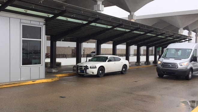 A shelter built for valet service at the Memphis airport will provide protection for Uber and Lyft customers during inclement weather.