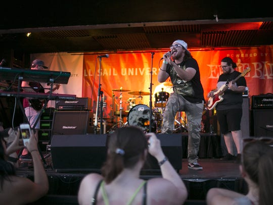 Captain Squeegee performs at the 2018 Vans Warped Tour