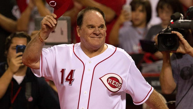Pete Rose takes the field during a Sept. 6, 2013 Reds game at Great American Ball Park. M