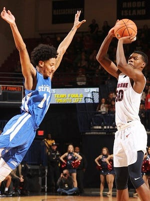 New Haven High School graduate Eric Williams Jr. was named Atlantic 10 co-Rookie of the Week for his outstanding play.