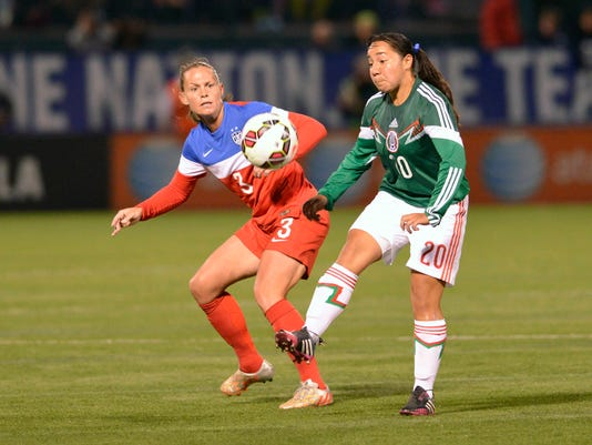 2015-4-3-christie-rampone-usa-mexico