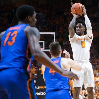 Tennessee's Jordan Bone shoots against Florida on Wednesday,