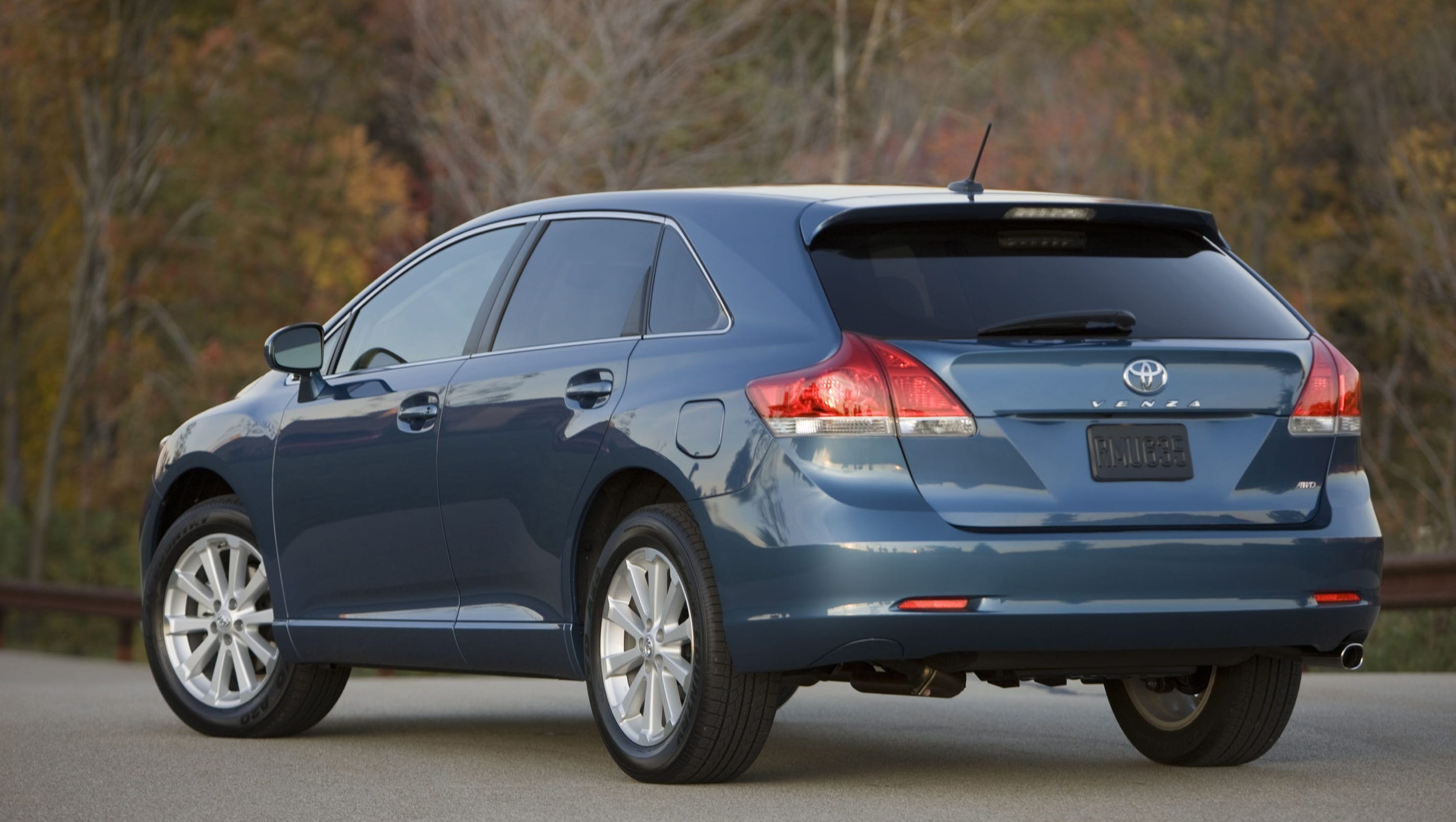 Toyota is killing off the Venza crossover