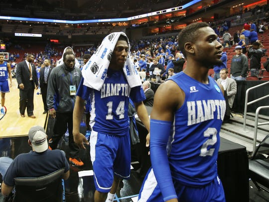 Hampton guards Brian Darden (14) and Breon Key (2)