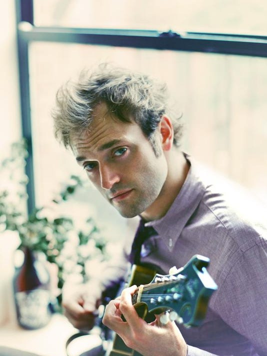 Chris Thile.jpg