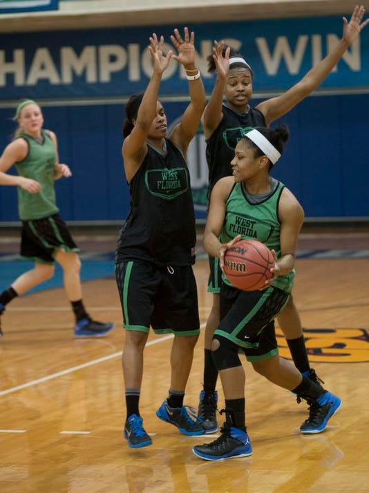 UWF Womens Basketball_15.jpg