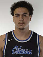 Jahnathan Maxwell, a 6-foot-8 forward who played at Odessa College, a junior college in Texas, committed to Iona College on April 18, 2018.