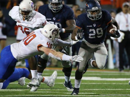 UTEP running back Aaron Jones breaks past Houston Baptist