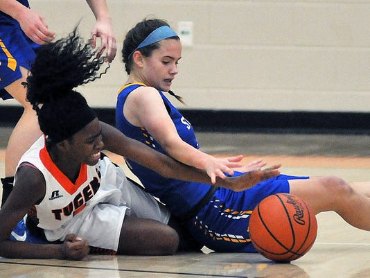 003-MNJ-1220-St.-Ursula-at-Mansfield-Senior-girls-basketball.JPG