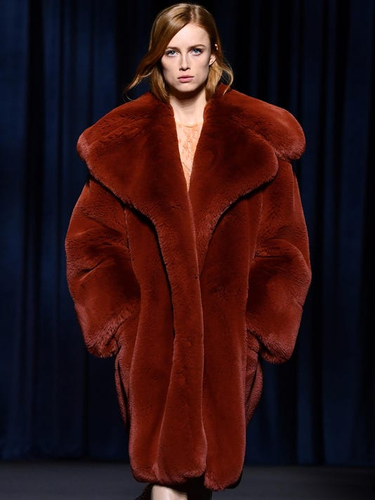 Givenchy : Runway - Paris Fashion Week Womenswear Fall/Winter 2018/2019