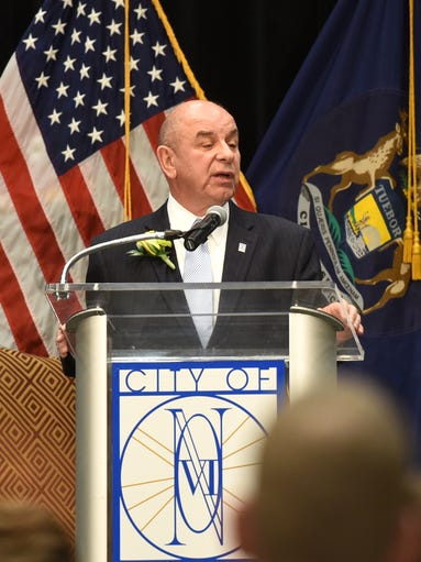 Novi Mayor Bob Gatt gives his state of the city address