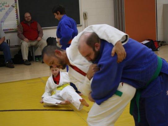 Dave Hayakawa trying to throw Nate Way on demonstrated