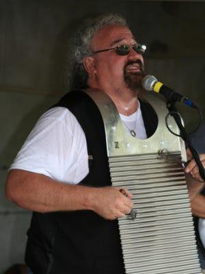 Andy Bernstein of the VooDUDES, shown in Bridgewater in 2010.